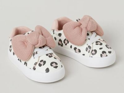 H&M bow-detail trainer £14.99